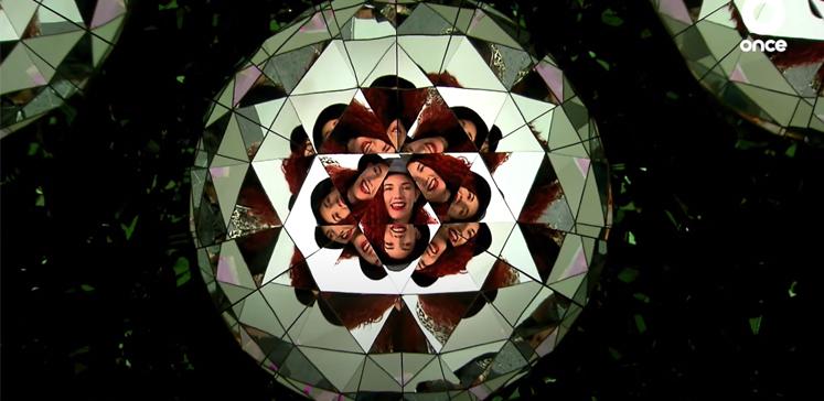 Tamara de Anda y su equipo del programa Itinerario (Canal Once), visitan < Arte Abierto > y la exposición Luz instante de Julia Carrillo